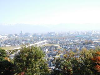 富山ランチブログ隊 呉山飛天からの『富山駅周辺と立山連峰の景観