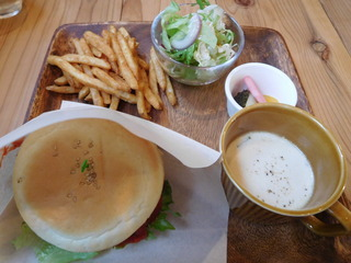 富山ランチブログ隊 life time kitchen  ハンバーガー ランチ