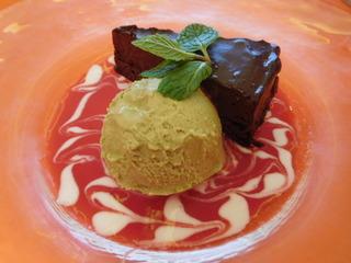 富山ランチブログ隊 KENTARO  デザート&カフェ (生チョコのガトーショコラ)