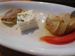 富山ランチブログ隊 「森の茶屋 糧」サラダプレート 小さな野菜 3種盛り UP