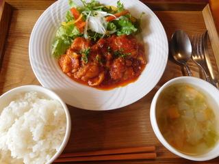 富山ランチブログ隊 洋食食堂 トロワ まかないランチ スパイシーチキンサラダ添え+ご飯+スープ