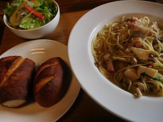 富山ランチブログ隊 本日のランチ きのことベーコンのスパゲッティー セット