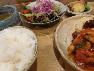 富山ランチブログ隊 ここねかふぇ ここねランチ (鶏肉のトマト煮込み)