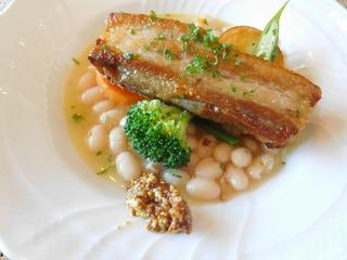 富山ランチブログ隊 らふぃーゆ レディース ランチ 肉料理 県産ポークのコンフィ白インゲン豆の煮込み添え