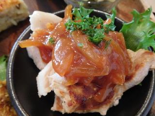富山ランチブログ隊 ウブス・ア・ディジー プレートランチ メイン 肉料理