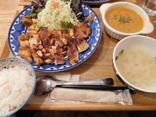富山ランチブログ隊 アオヤギ食堂  タンドリーチキン定食  ご飯少な目 ナッツプラス