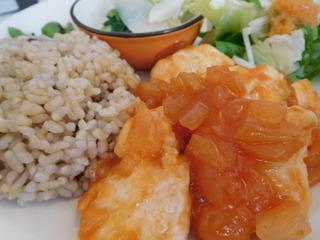 富山ランチブログ隊   くるみの森 日替わりランチ メイン肉ごはん 鶏肉のチリソース 画像 UP