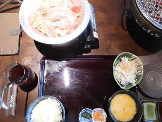 富山ランチブログ隊 大将軍 すき焼き定食用のお鍋 カセットコンロで。