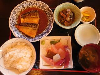 富山ランチブログ隊 市場亭 サバの味噌煮定食 (お刺身付き)