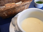 富山ランチ 「シエ・ヨシ」じゃがいものスープ&ライ麦パン