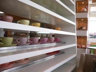 富山ランチブログ隊 カフェフィーカ カップ棚