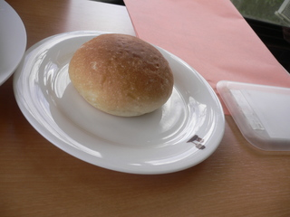 富山ランチブログ隊 青い丘 ランチセットのパン