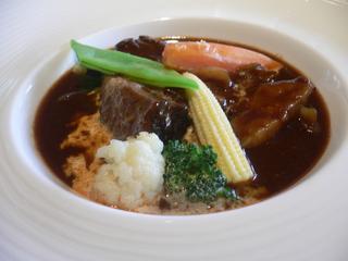 富山ランチブログ隊 牛肉の赤ワインシチュー