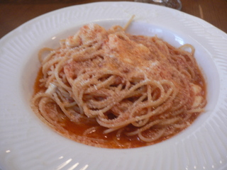 富山ランチブログ隊 トラットリア・ポルコ サーモンと野菜のクリームソーススパゲッテーニ