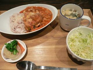 富山ランチブログ隊 たもり 本日のランチ「野菜とお豆のチキントマトチーズご飯」