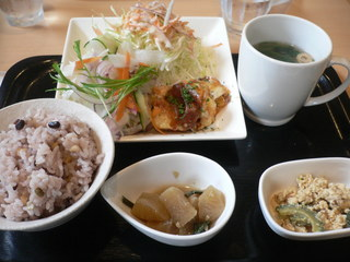 富山ランチブログ隊 ビストロレザン 日替わり ランチ(ご飯・味噌汁・メイン・小鉢 2皿)