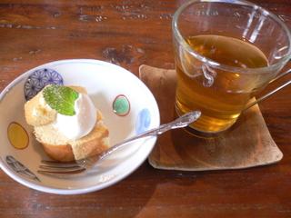 富山ランチブログ隊 トートカフェ   カフェ ランチタイム・サービス ドリンクとプチデザート