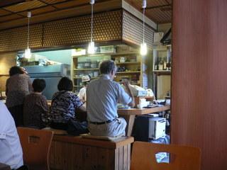 富山ランチブログ隊 季節料理 すづな 店内 カウンター席