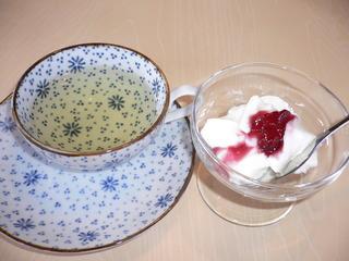 富山ランチブログ隊 カフェブルーリーブス 食後の紅茶(ジャスミンティー+豆乳のレアチーズケーキ)